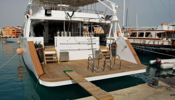 thumbs diving deck 1